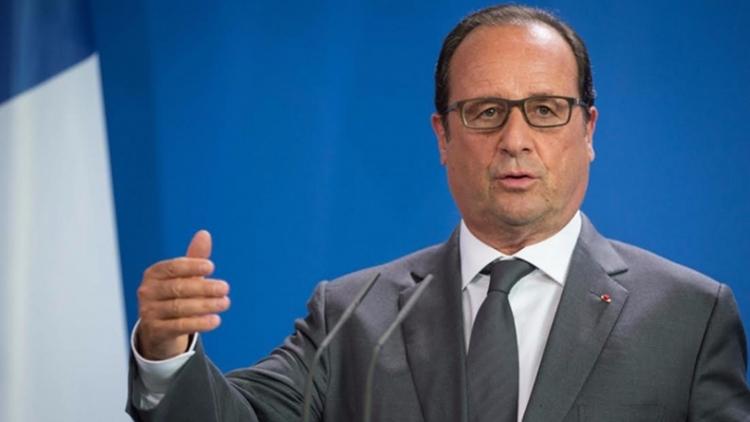Внацсобрании Франции отказались рассматривать резолюцию обимпичменте Олланда