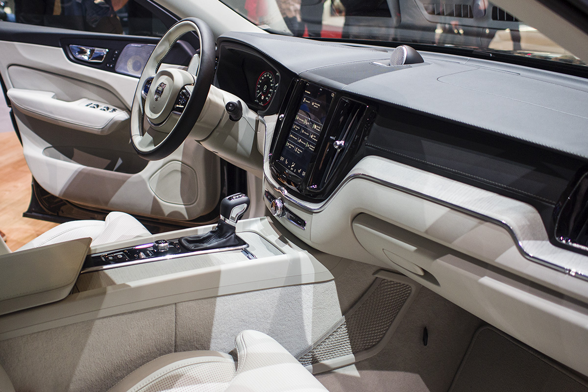 Volvo-XC60-P3075864.jpg