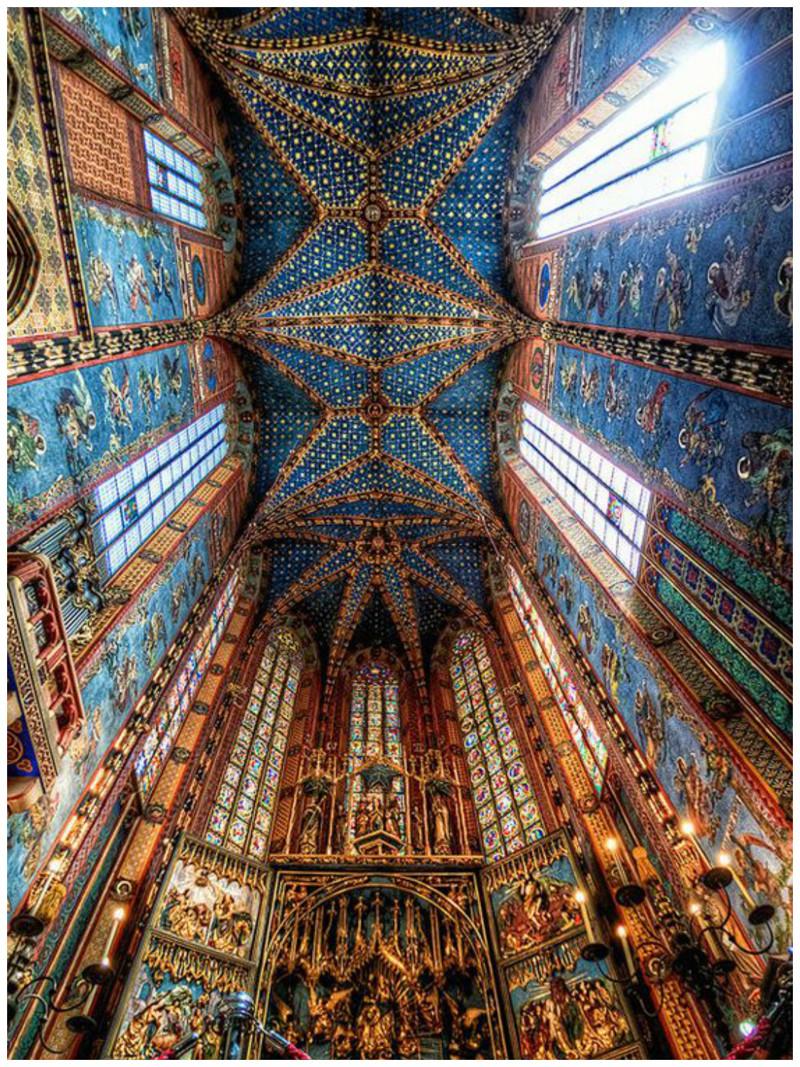 Базилика Святой Марии в Кракове, Польша