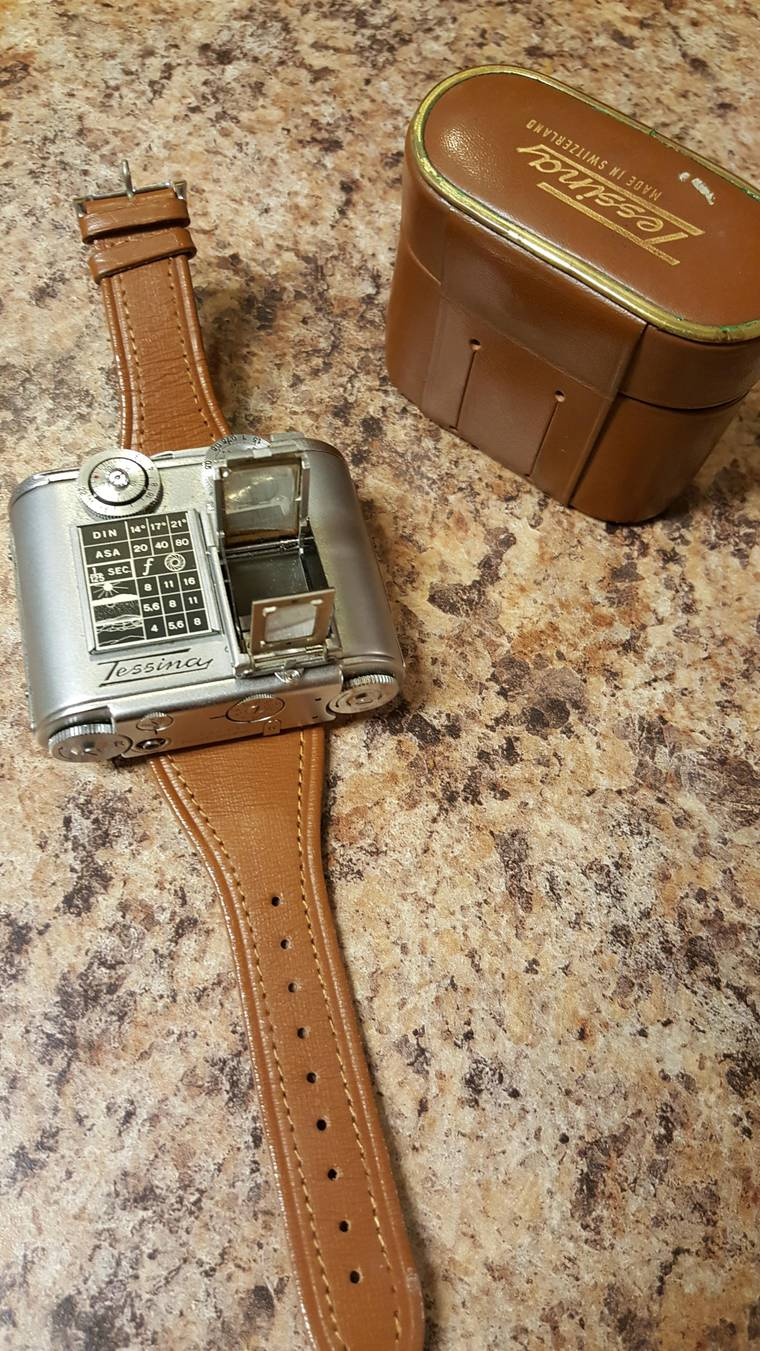 Tessina - A vintage camera which can be worn like a watch around your wrist