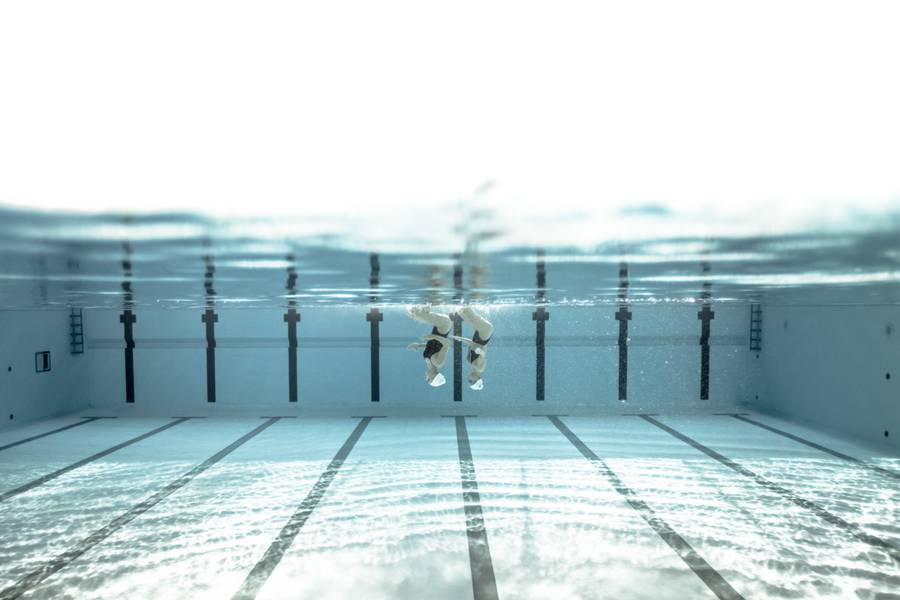 Underwater Synchro-Swim Photography by Alex Voyer