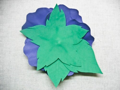 Синяя брошь из фоамирана