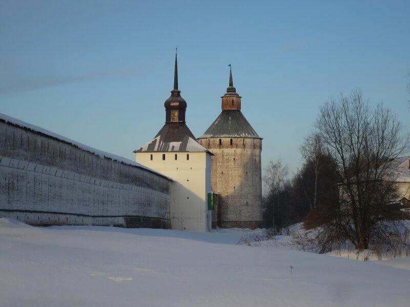 Кирилло-Белозерский монастырь. Северо-восточная стена Нового города, Казанская и Московская башни