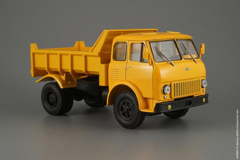 МАЗ-503Б-02.jpg