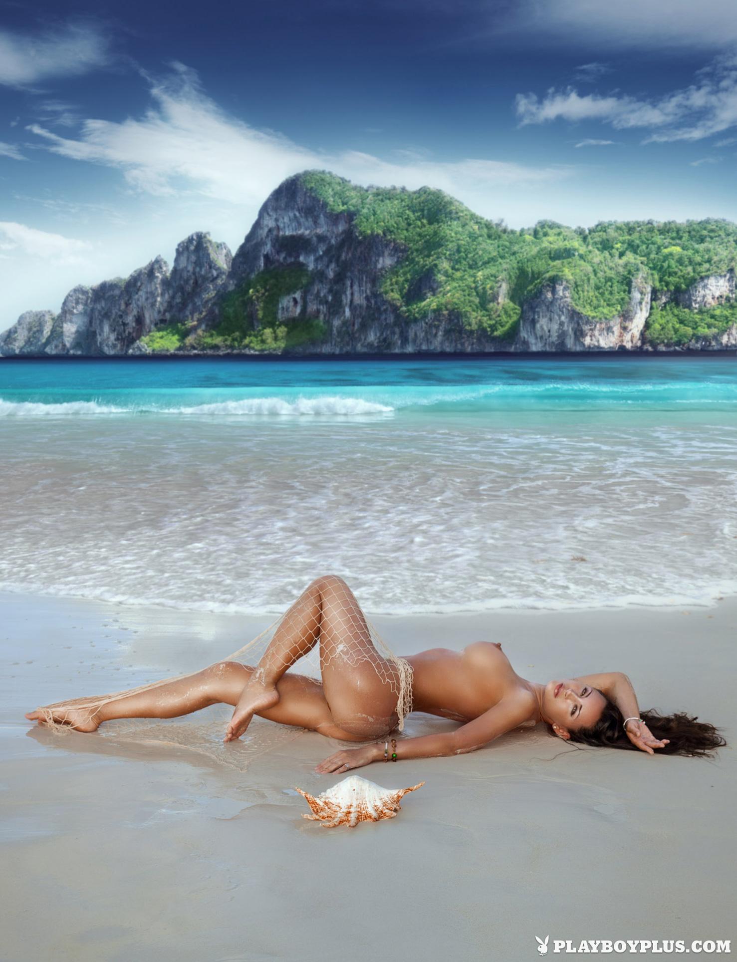 голая на пляже - Анна Григоренко / Anna Grigorenko nude by Salvatore Di Ciaccio - Playboy Украина