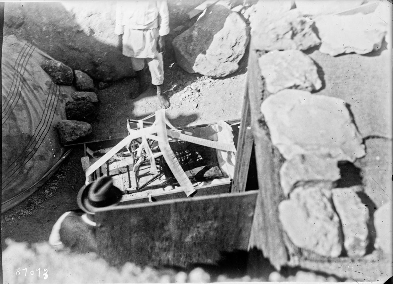 Стул из гробницы