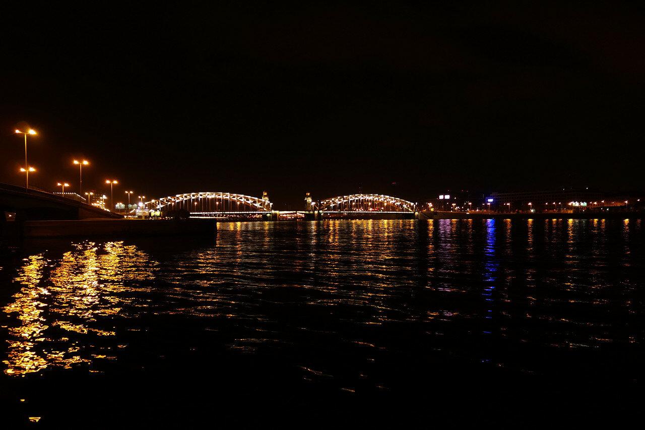 Нева, огни, мосты...