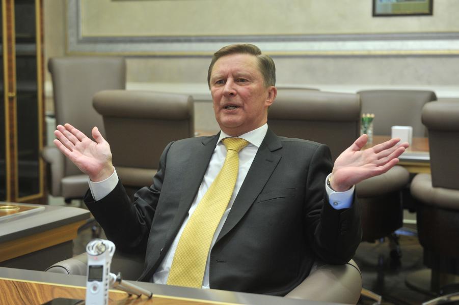 Сергей Иванов дает интервью Комсомольской правде, октябрь 2016.png