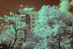 9-этажный дом со звёздным небом (днём) в инфракрасном диапазоне