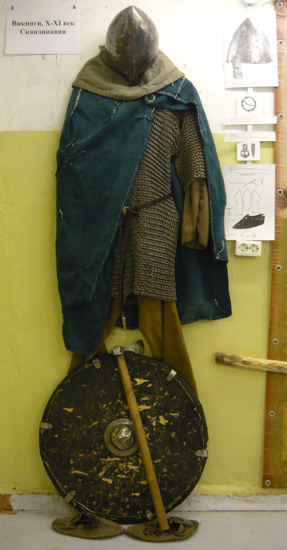Экспозиция, посвященная скандинавским викингам X века, найденным в Гнездовских курганах под Смоленском (17.02.2017)