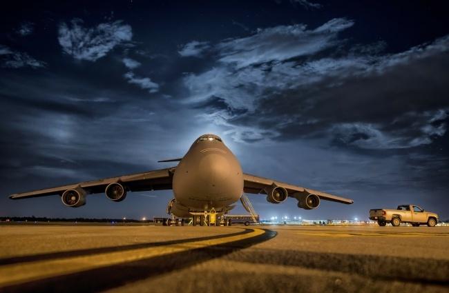 © pixabay  Шины самолетов способны выдержать нагрузку в38тонн. Прежде чем импотребуется зам