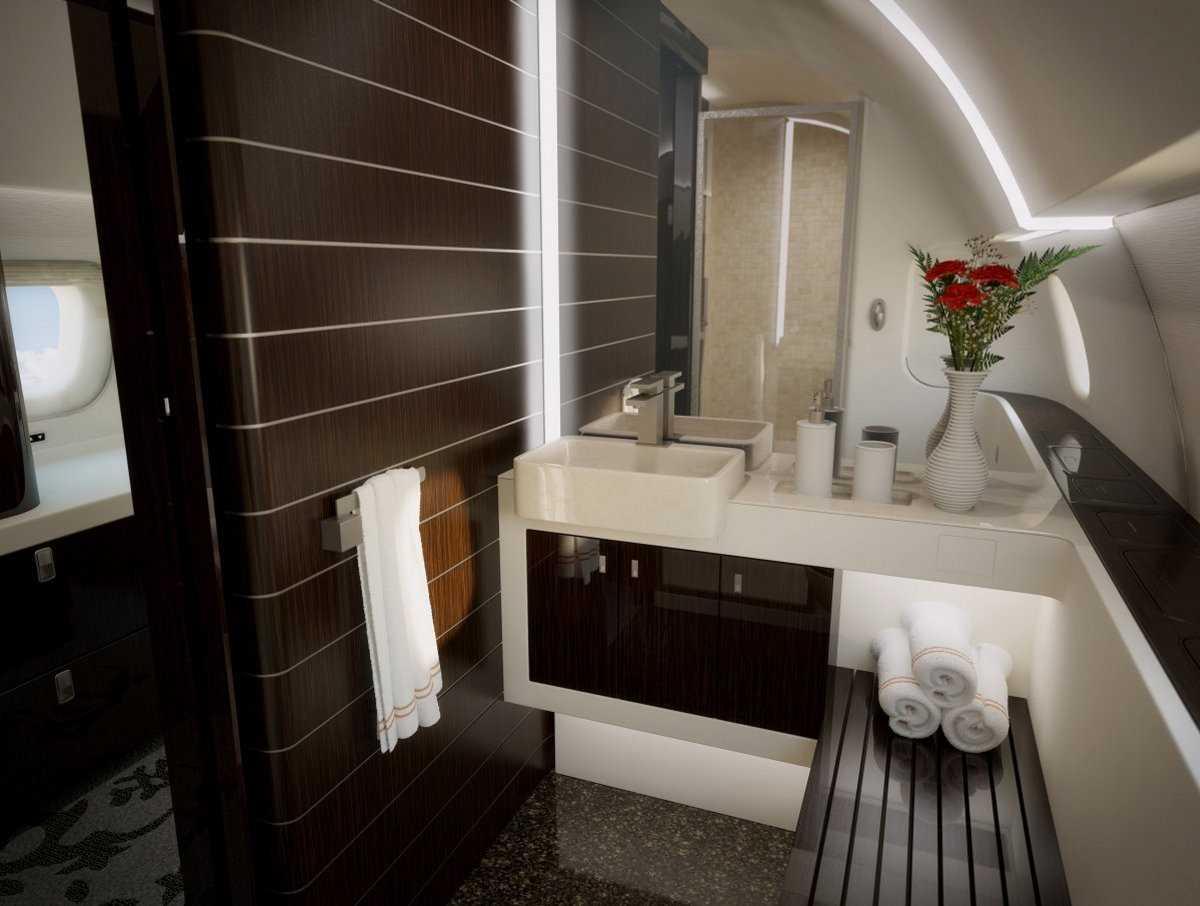 13. А в санузле — душевая кабина. Boeing 747-8 VIP