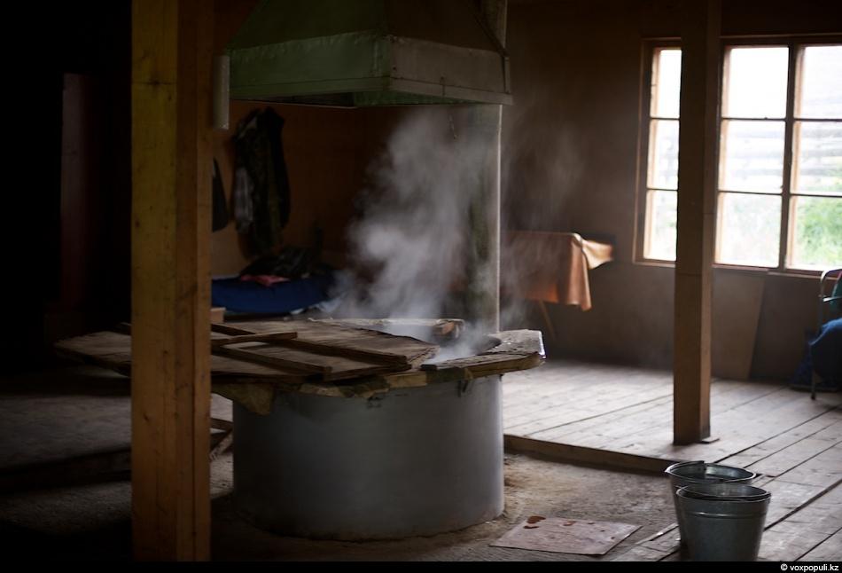 27. Вода в чане должна закипеть до нужной температуры, примерно 85 -100 °С