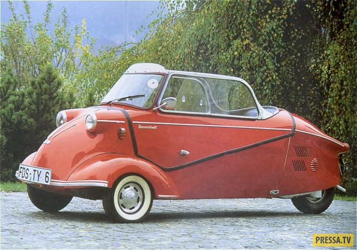 Под именем истребителей времен Второй мировой (в 1957-м машины стали называться FMR) выпускали трехк