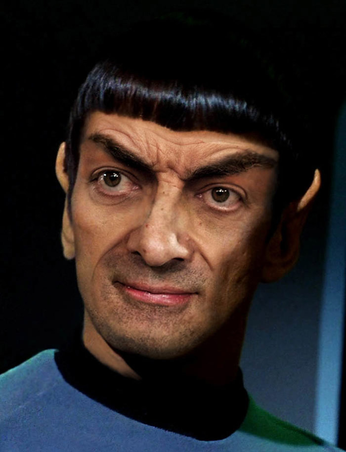 Роуэн Аткинсон в роли Спока из «Звездного пути».