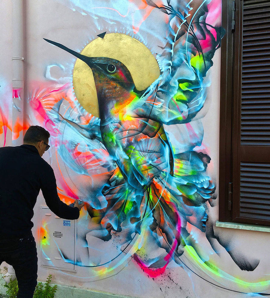 Birds Street Art Drawn on Walls with Spray Paint & Birds Street Art Drawn on Walls with Spray Paint (9 pics)