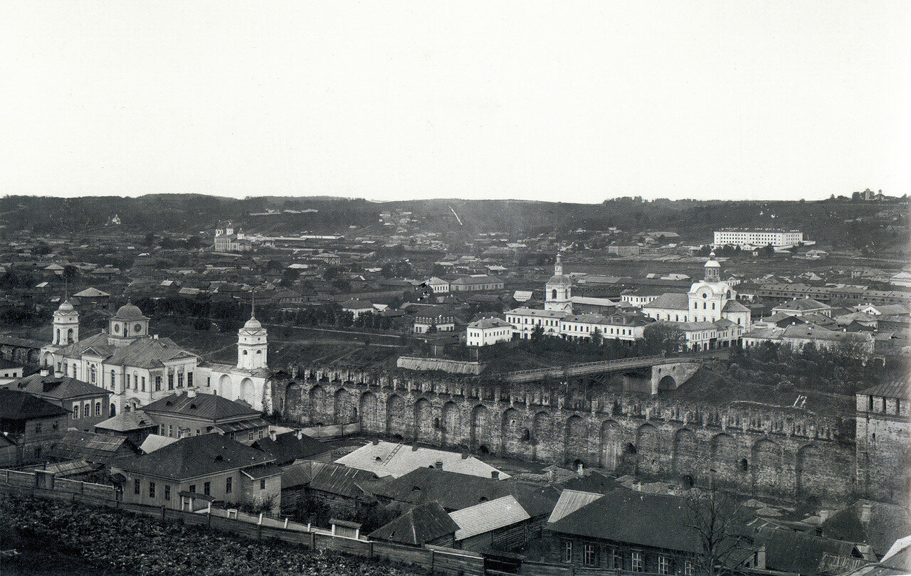 Вид на крепостную стену и Заднепровье. 1885