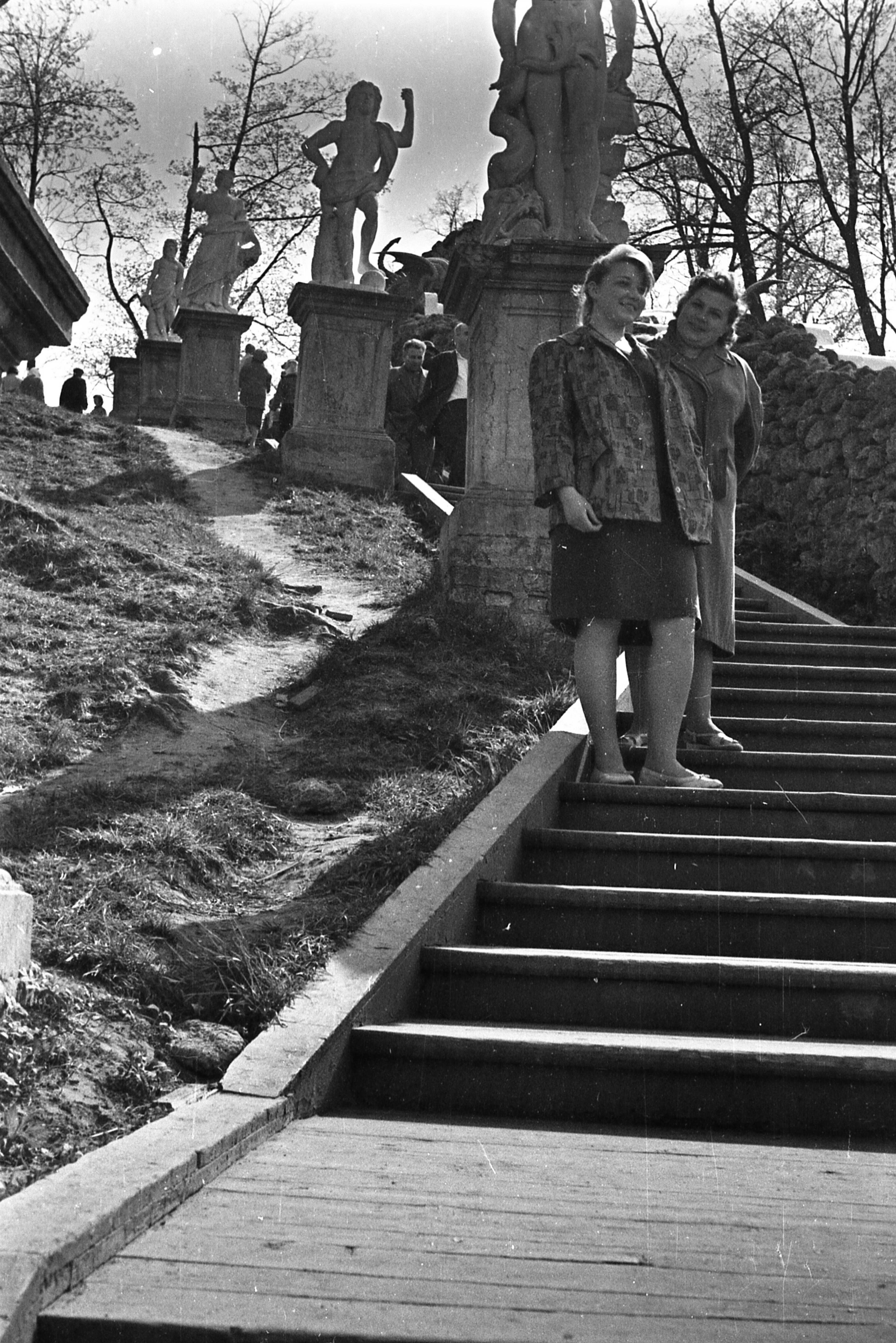 1960-е. Скульптуры каскада «Шахматная гора»