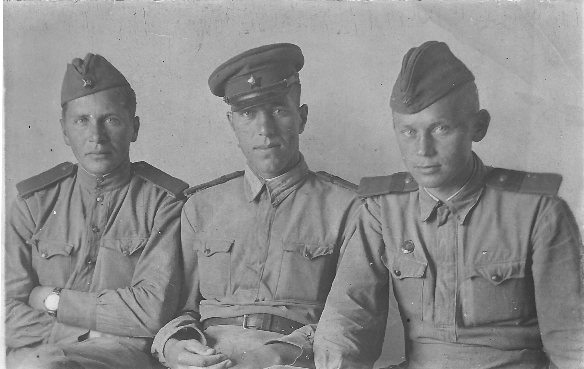 134. 1945. Пастернак (слева). 1943.jpg