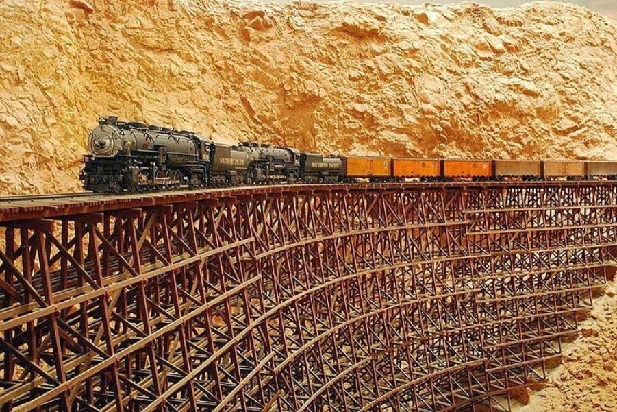 Заброшенная «Невозможная железная дорога»