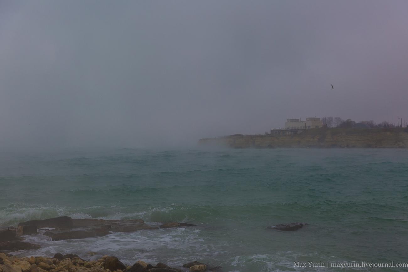 Туман в море