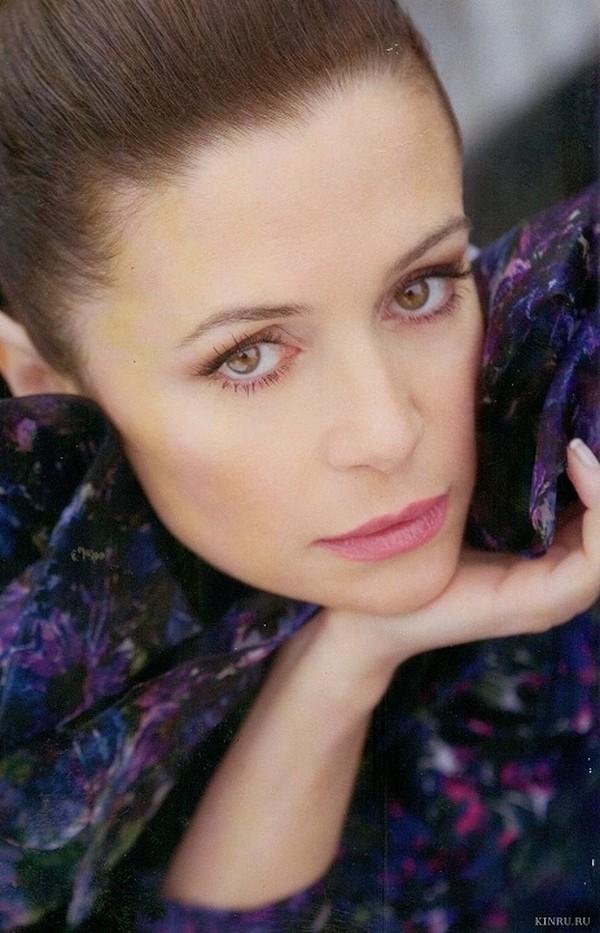 45-е место: Оксана Олеговна Фандера (род. 7 ноября 1967, Одесса) — российская актриса. Ее отец Олег