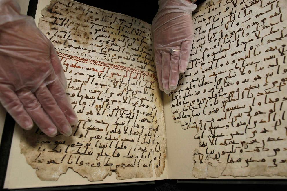 6. Страницы рукописи вместе с тысячами других древних документов с Ближнего Востока в 1920-е го
