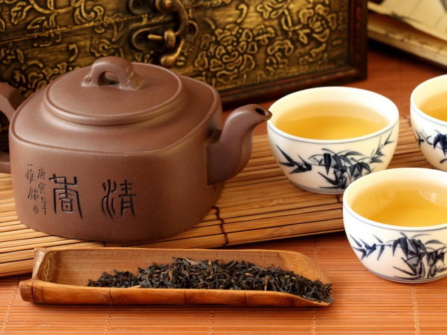 13. Китай Китайцы не только любят и ценят чай, но и отлично в нем разбираются. И хотя сырье для чая