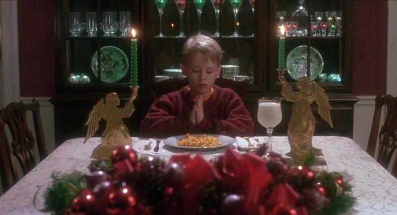 Доставка сэкономила бы ему время, и он бы закончил ужинать до прихода Гарри и Марва.