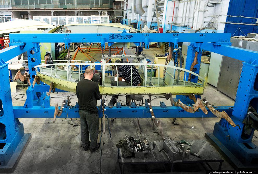 5. Цех окончательной сборки Бе-200ЧС.  На сегодняшний день построено 10 самолётов этого типа