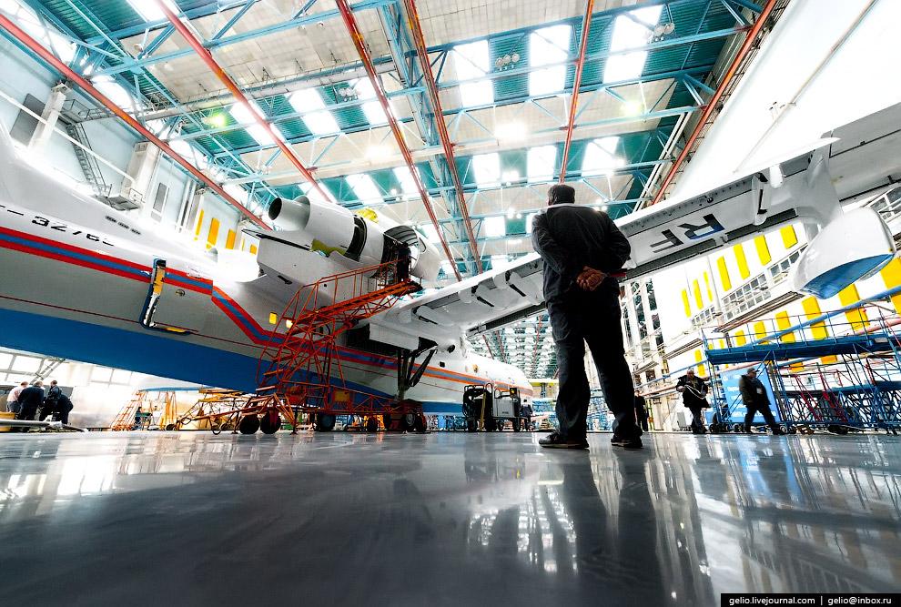 20. Самолёт поступает на лётно-испытательный комплекс, где его тестируют в различных режимах пе