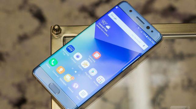 Какие мобильные телефоны названы самыми известными в нынешнем году?