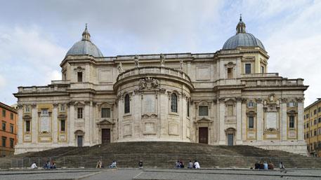 Итальянец ранил 2-х священников водной из основных базилик Рима
