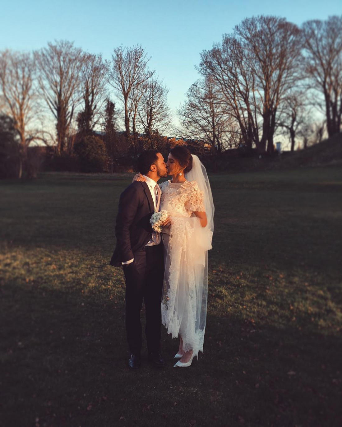 Старшая дочь Валерия Меладзе тайно вышла замуж наБританских островах