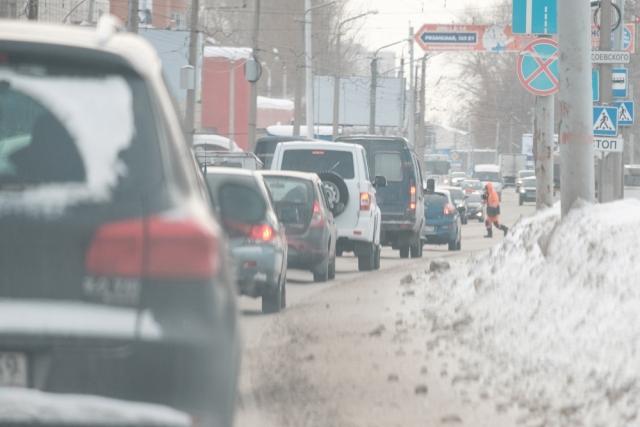 Зимой вОмске подорожали все марки бензина