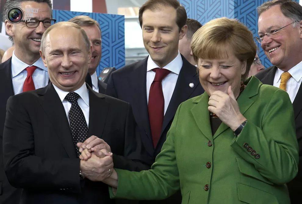 Путину плохо совсем, онстаренький ипутается взаявлениях поУкраине,— Боровой