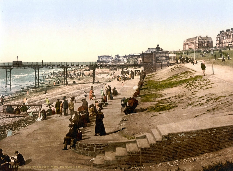 The promenade, Hunstanton, England, ca. 1890-1900.jpg