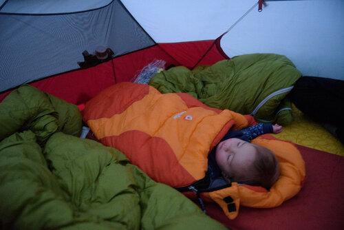 Детский спальник Deuter Little Star EXP. Дочке 11 месяцев.