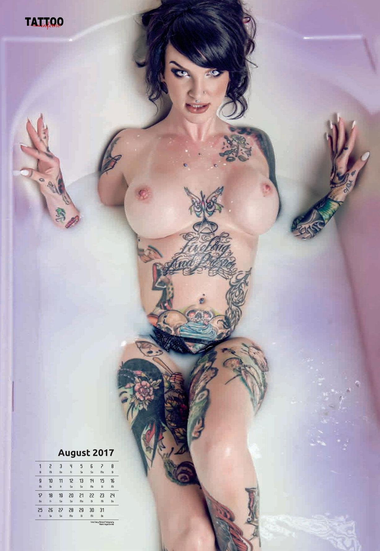 Голые татуированные девушки в календаре 2017 Tattoo Inferno calendar