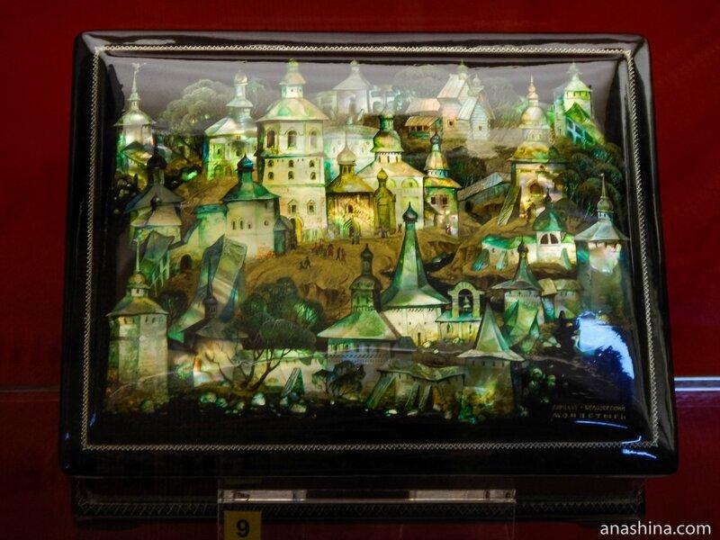 Шкатулка с изображением Кирилло-Белозерского монастыря, Федоскинская лаковая миниатюра