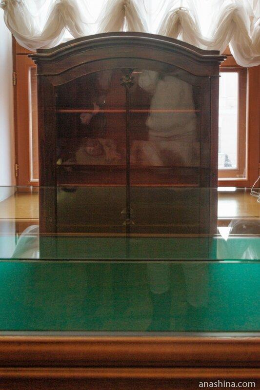 Шкаф с рукописями Пушкина