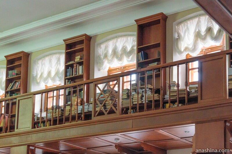 Шкафы, отдел рукописей