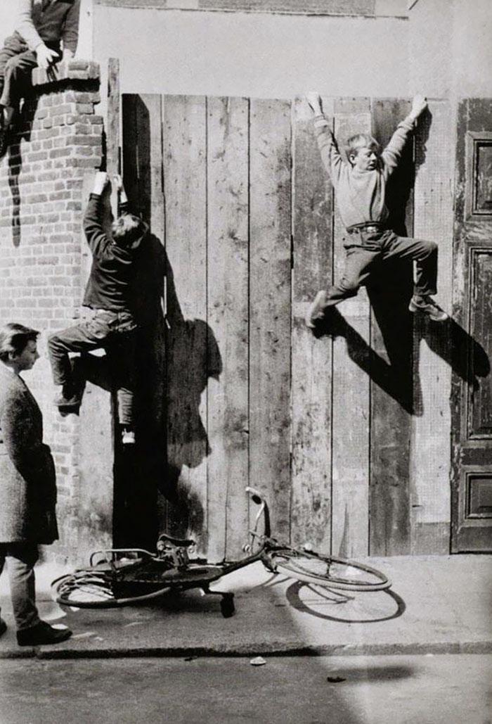 historical-children-playing-photography-32-589dbf0b7d2c3__700.jpg