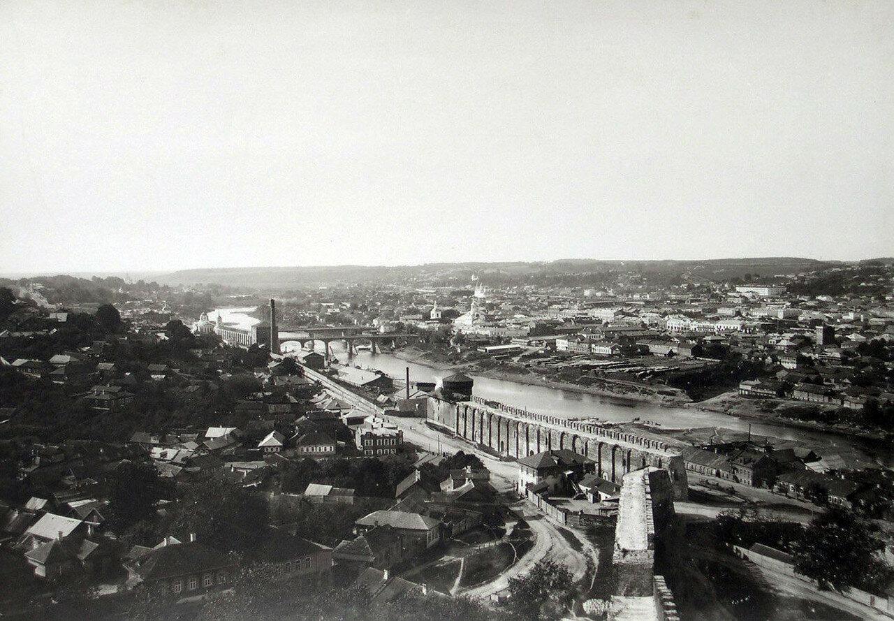 Вид с башни Веселуха на Армянскую улицу и Заднепровье. 1901
