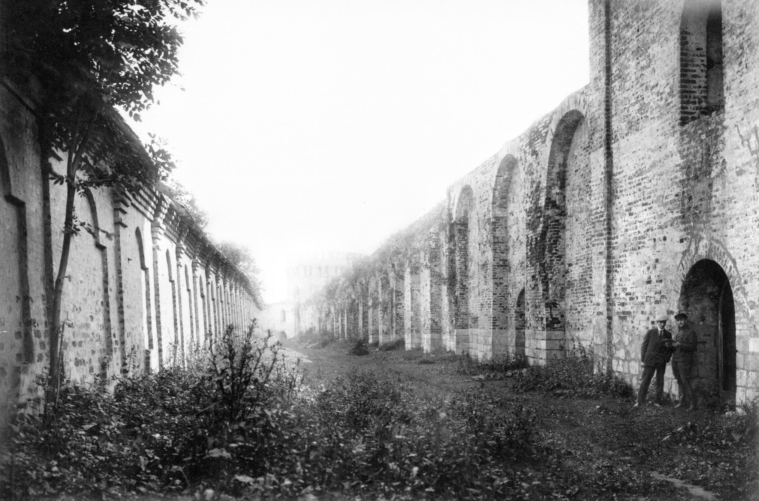 Воронина башня и ограда Авраамиева монастыря. 1909