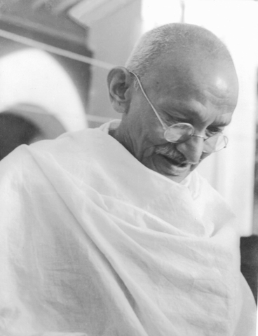 the life and times of mohandas gandhi The life of mahatma gandhi louis fischer recounts gandhi's remarkable life while, at the same time, adding his insightful political and spiritual views.