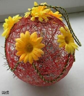 Шарик из ниток Цветочный