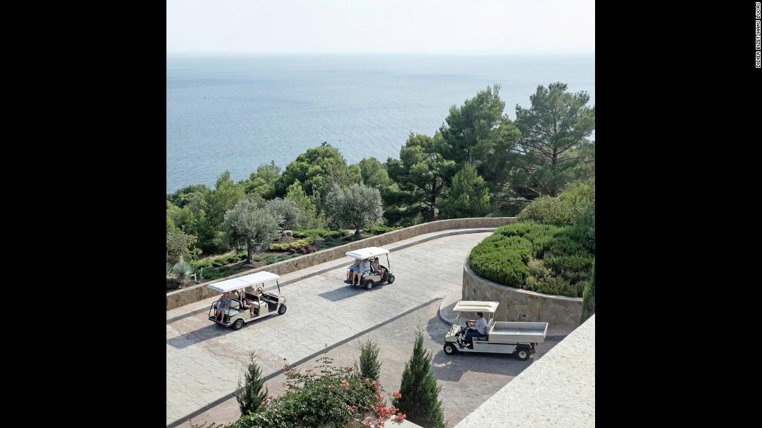 Увиденное в Крыму Дидье охарактеризовал как «патриотический туризм». Особенно явно это было заметно