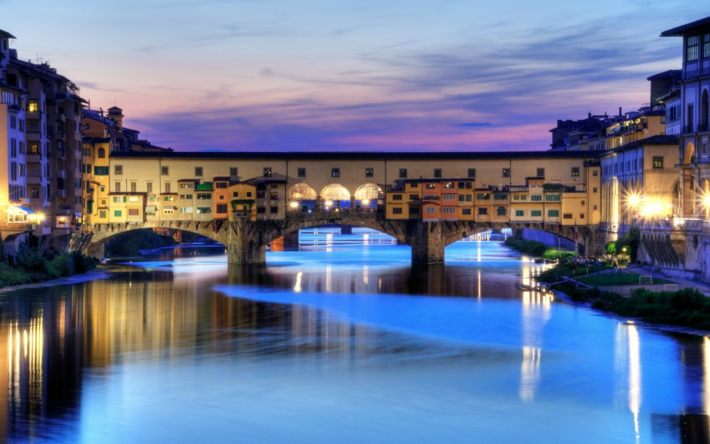 2. Понте Веккьо Флоренция, Италия Средневековый мост, перекинутый через самое узкое место реки Арно