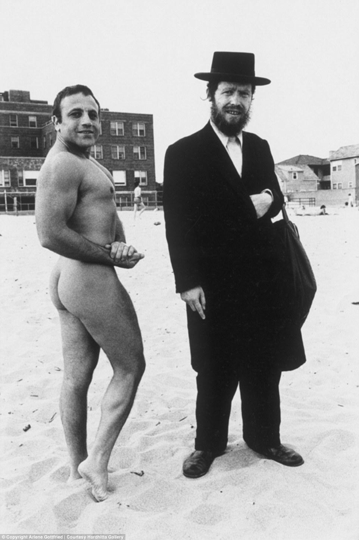 Странные персонажи Нью-Йорка в объективе Арлин Готтфрид с 1970-х годов до наших дней